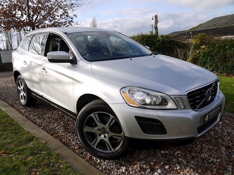Volvo XC60 D5 SE Lux AWD (Just 2 Owners+10 Services+Power Tailgate+Heated Seats)