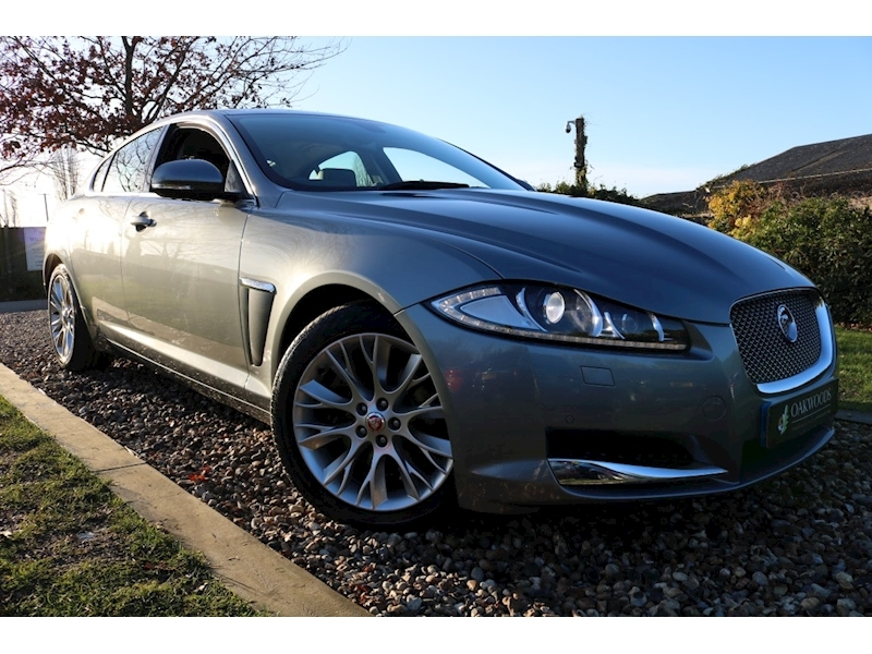 Jaguar XF Premium Luxury (Rear Parking Pack with CAMERA+DAB+Sat Nav+KEYLESS Go+19
