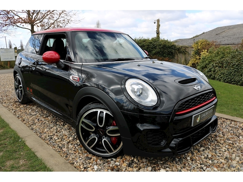 MINI Hatch John Cooper Works (MEDIA XL+Adaptive Suspension+PDC+Black Pack+Quick Silver Sport Exhaust)