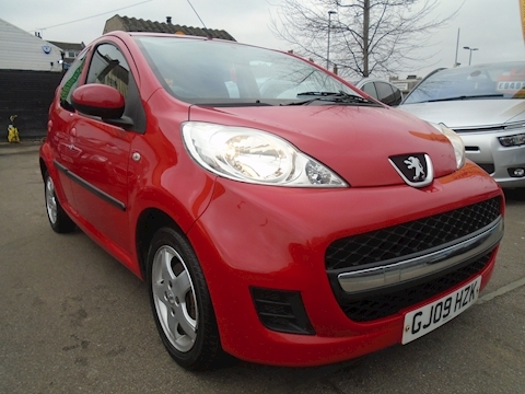 Peugeot 107 Verve Hatchback 1.0 Manual Petrol