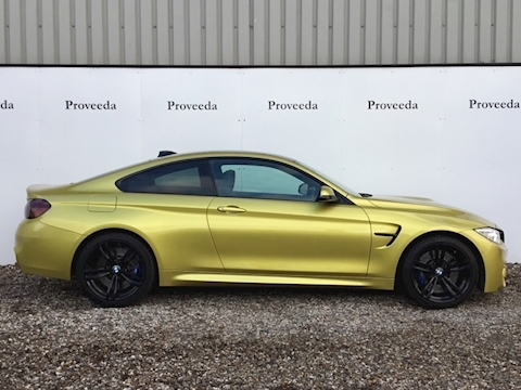 M4 Coupe 3.0 DCT - Stunning colour combination..