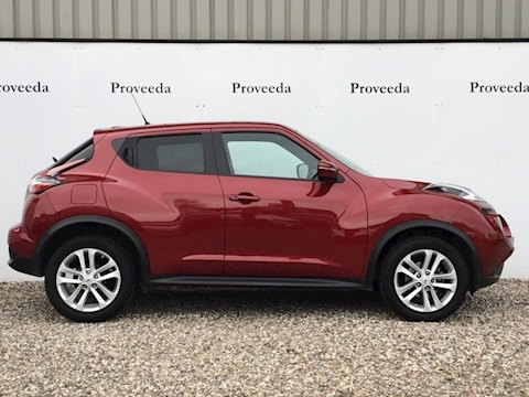 Juke N-Connecta Dig-T Hatchback 1.2 Manual - 1 owner - Immacuate