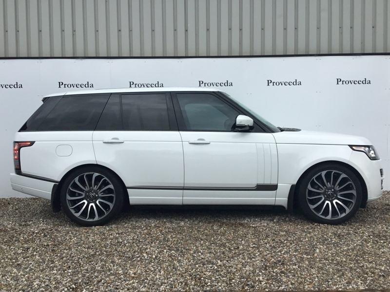 Range Rover Sdv8 Autobiography Estate 4.4 - HUGE Spec
