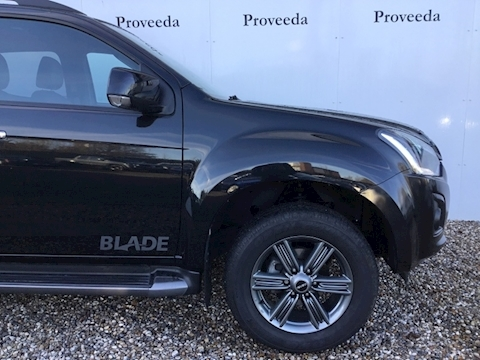 D-Max Blade Double Cab Pickup 1.9 Auto Diesel