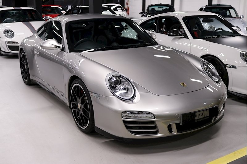 Porsche 911 Carrera Gts - Large 0
