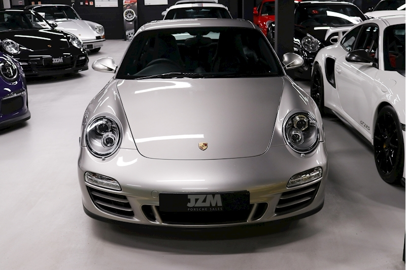 Porsche 911 Carrera Gts - Large 1