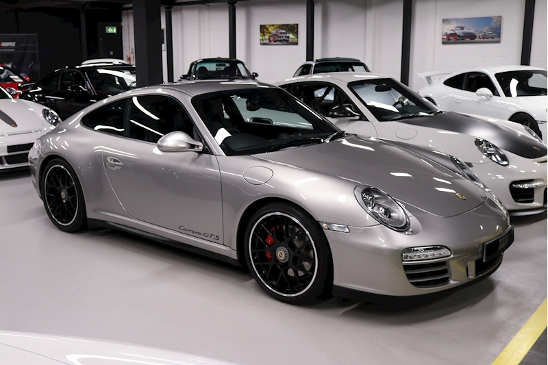 Porsche 911 Carrera Gts - Large 3