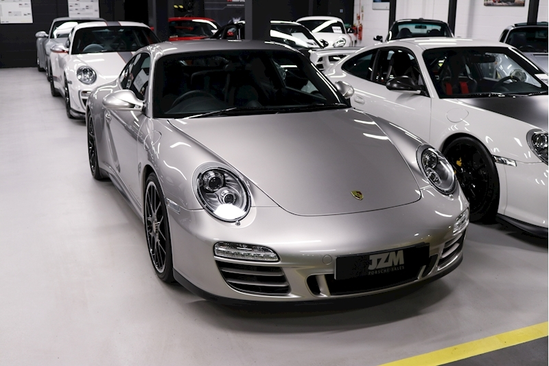 Porsche 911 Carrera Gts - Large 5
