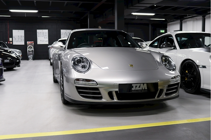 Porsche 911 Carrera Gts - Large 6