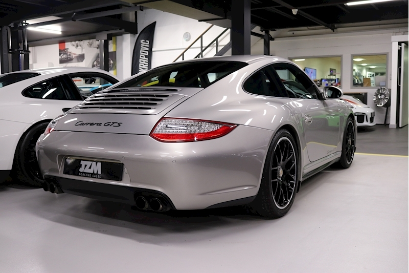 Porsche 911 Carrera Gts - Large 13