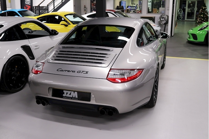 Porsche 911 Carrera Gts - Large 14