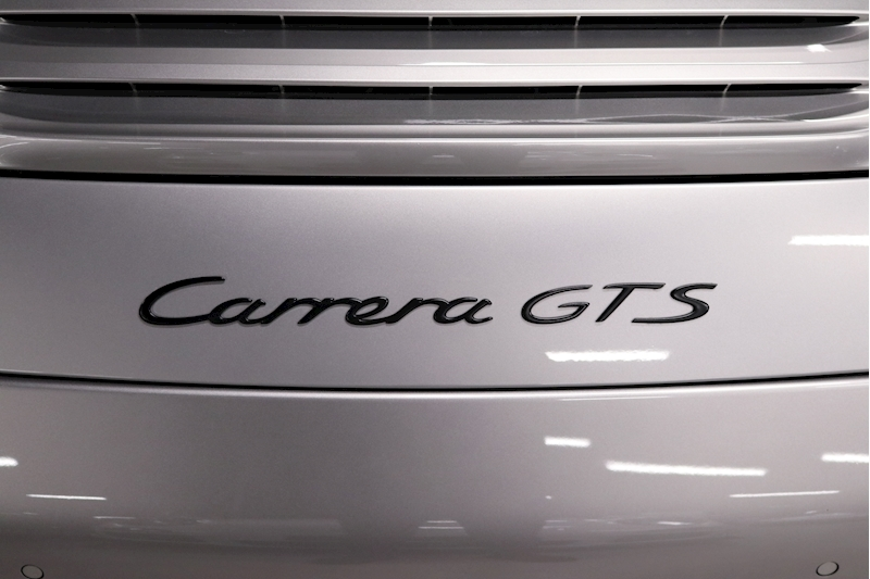 Porsche 911 Carrera Gts - Large 15
