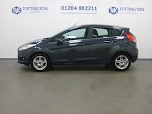 Ford Fiesta Zetec Automatic (Only 5,000 Miles) - Thumb 2