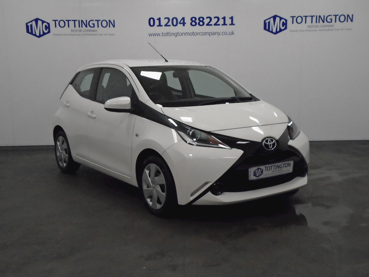 Toyota AYGO x-play Hatchback 1.0 Manual Petrol