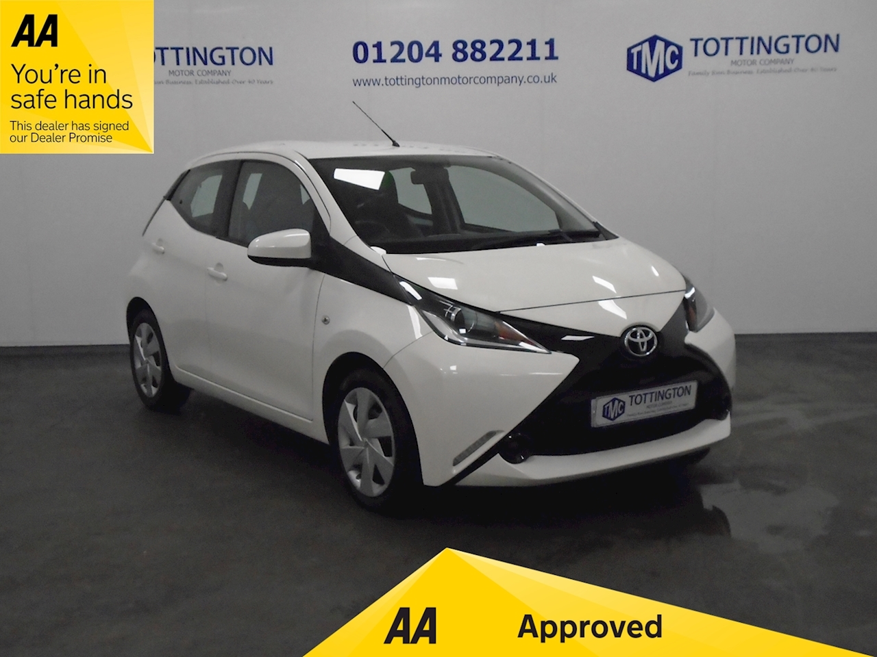 AYGO x-play Hatchback 1.0 Manual Petrol