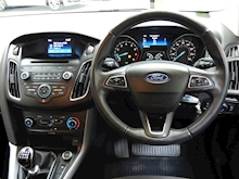Ford Focus Zetec 2015 - Thumb 8