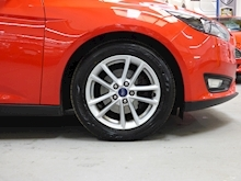 Ford Focus Zetec 2015 - Thumb 22