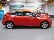 Ford Focus Zetec 2015 - Thumb 4