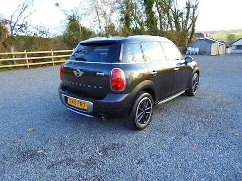 Mini Countryman Cooper Hatchback 1.6 Automatic Petrol