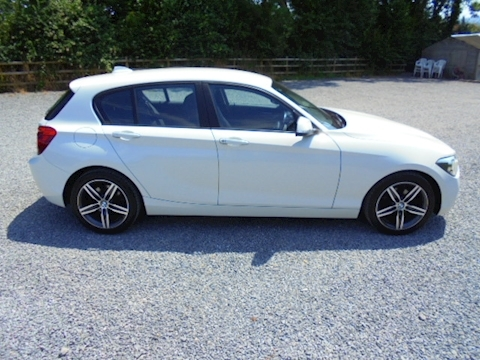1 Series 118D Sport Hatchback 2.0 Manual Diesel