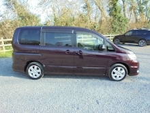 Nissan Serena 2.0 Highway Star - Thumb 2