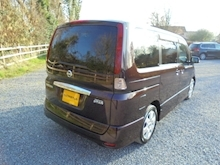 Nissan Serena 2.0 Highway Star - Thumb 3