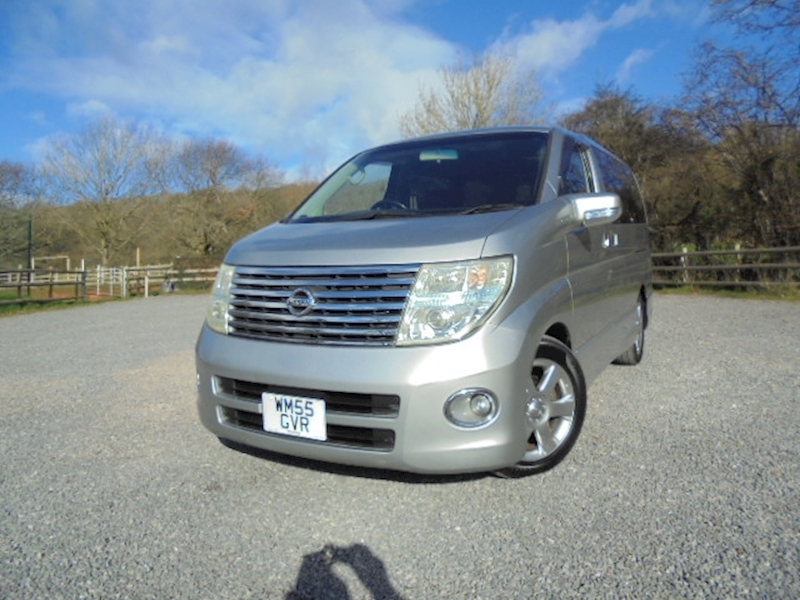 Elgrand 2.5 Highway Star 4WD 2495 5dr MPV Automatic Petrol