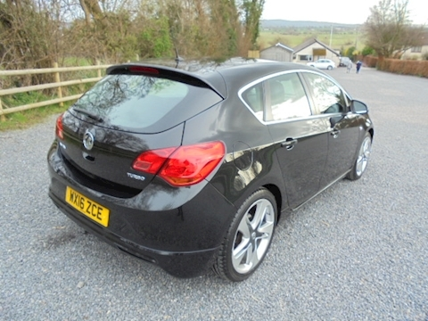 Astra Limited Edition Hatchback 1.4 Manual Petrol