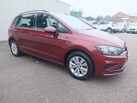 Volkswagen Golf SV Se Tsi Estate 1.0 Manual Petrol