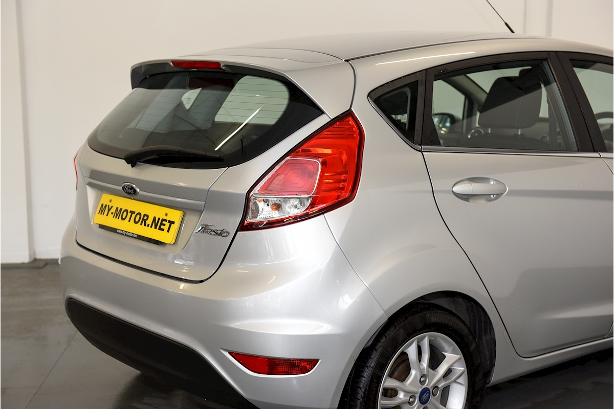 Ford Fiesta - Large 27
