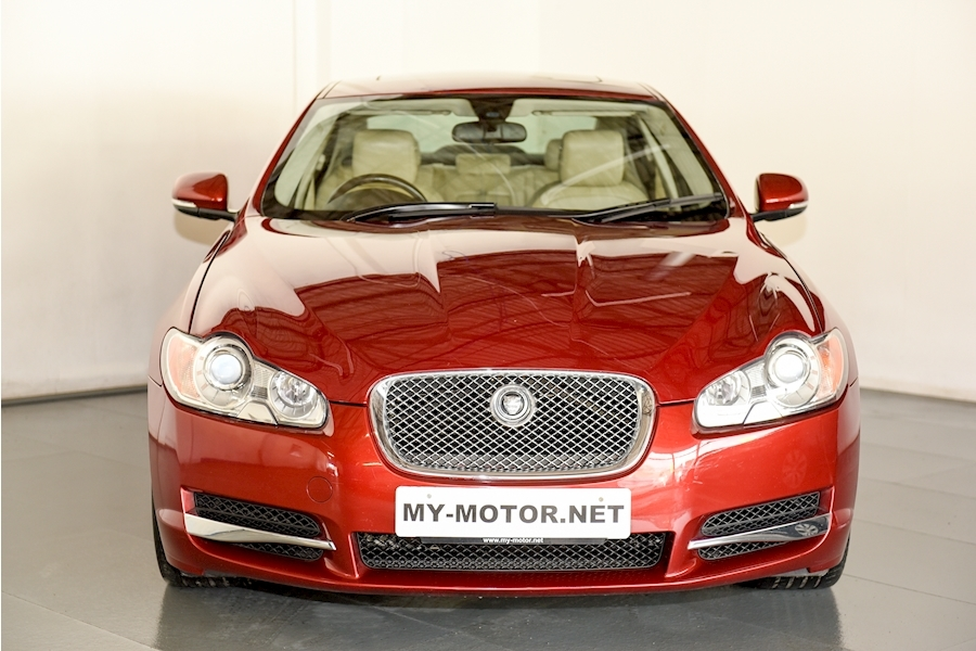 Jaguar Xf - Large 2