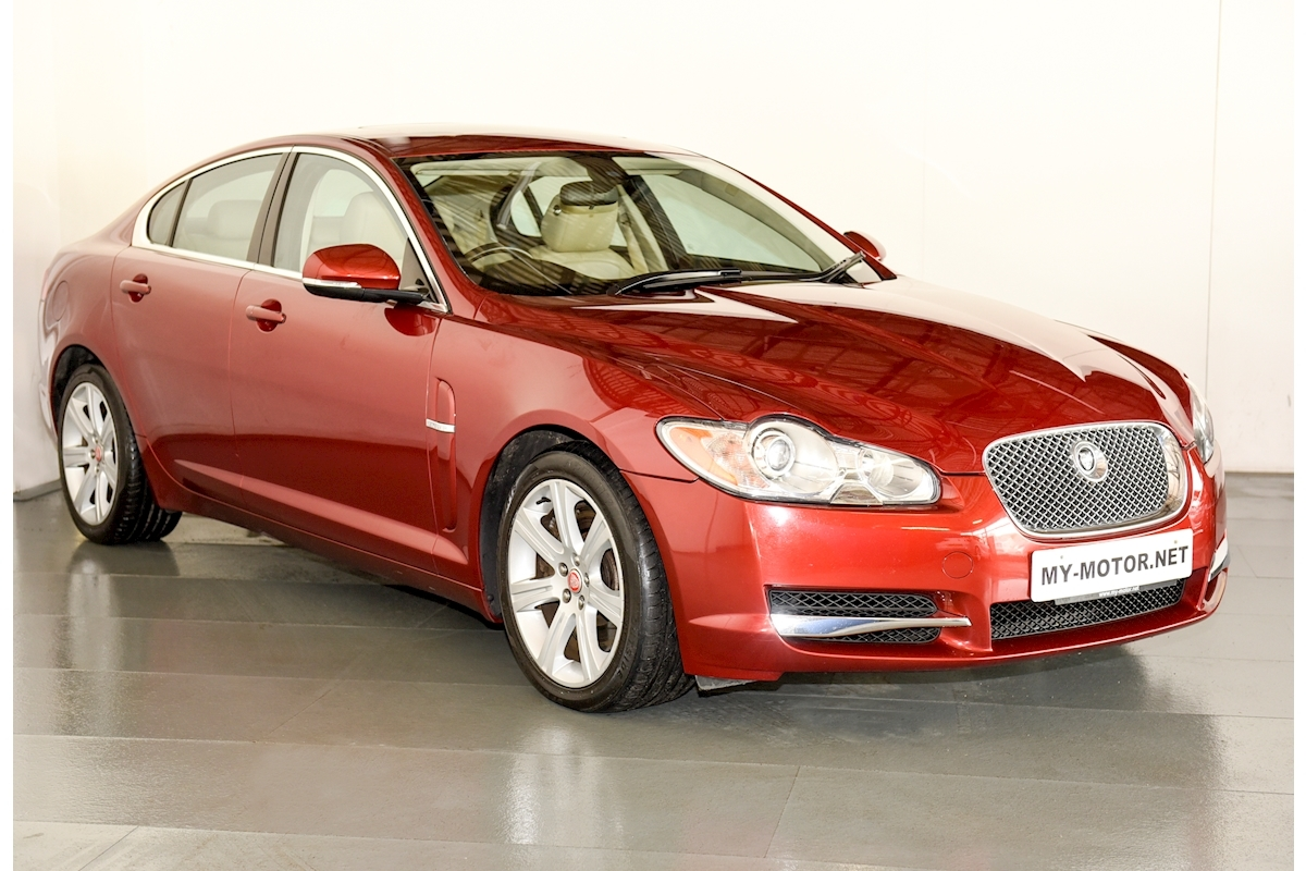 Jaguar Xf - Large 0
