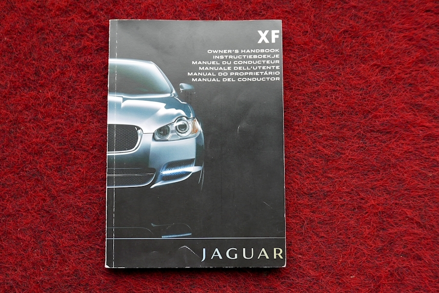 Jaguar Xf - Large 36