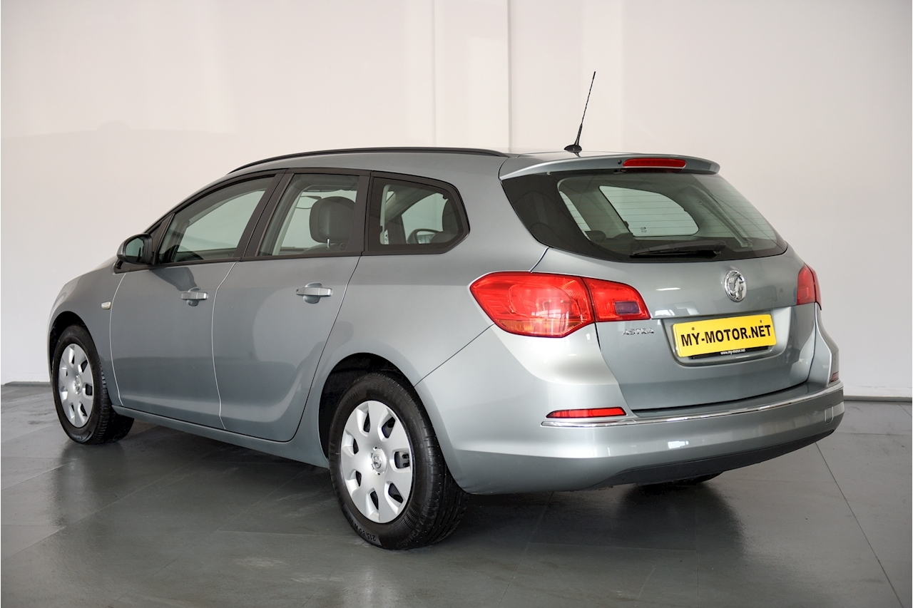 Vauxhall Astra - Large 5