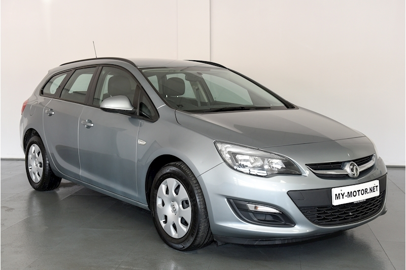 Vauxhall Astra - Large 0