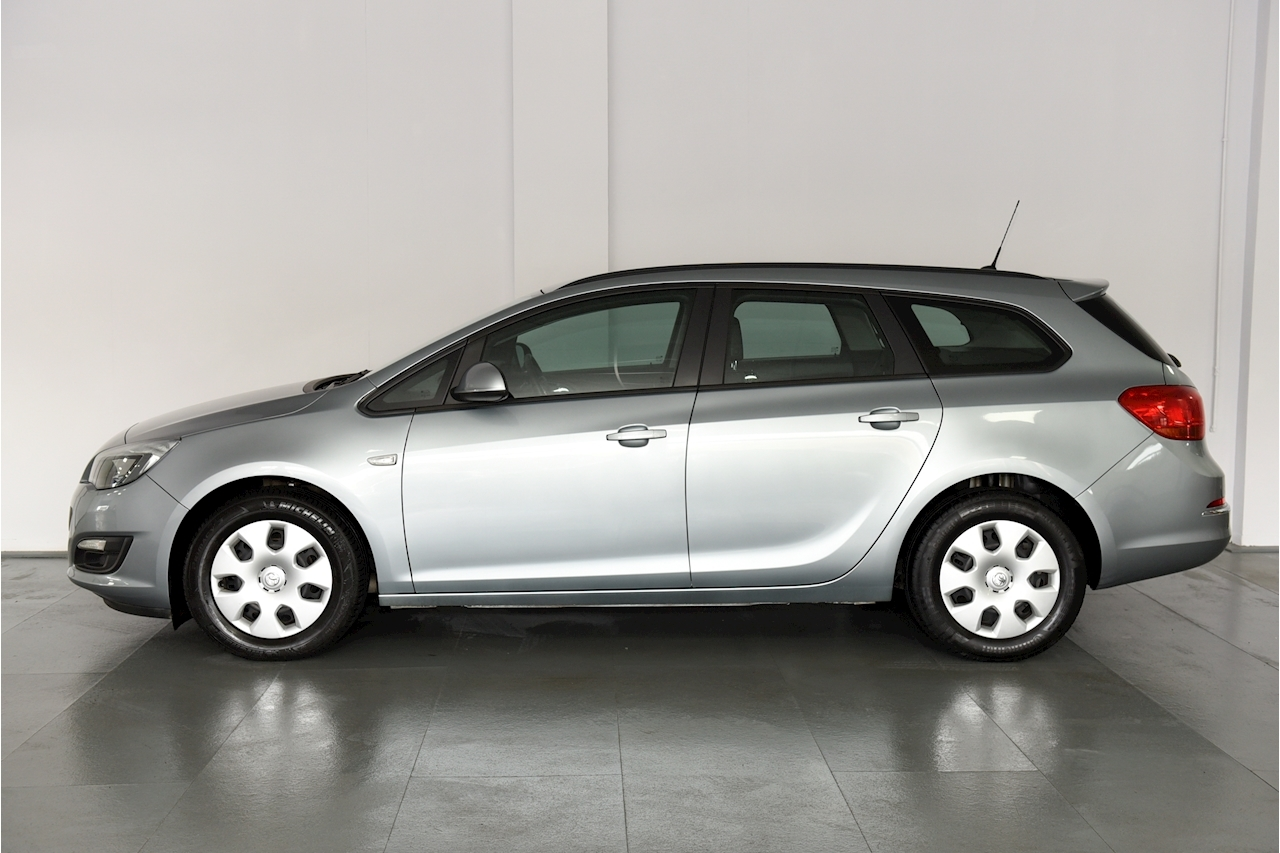 Vauxhall Astra - Large 6