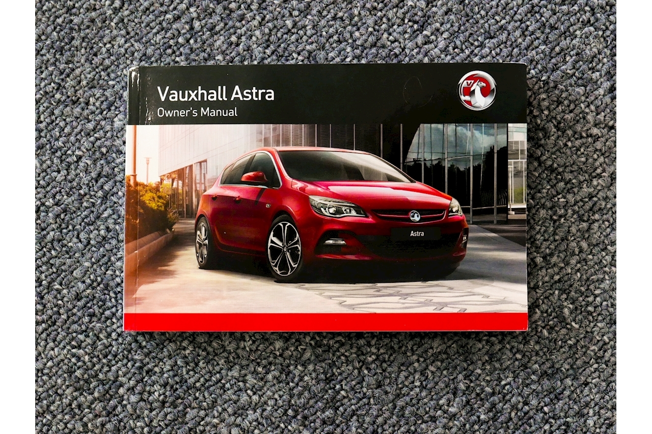 Vauxhall Astra - Large 32