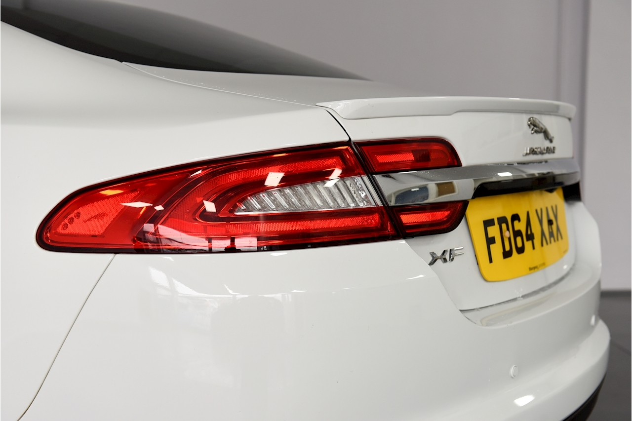 Jaguar Xf - Large 27