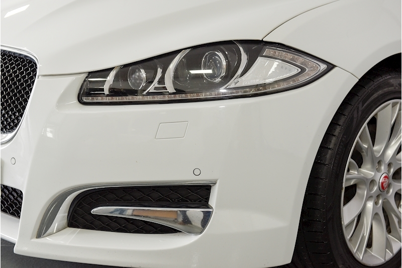 Jaguar Xf - Large 33