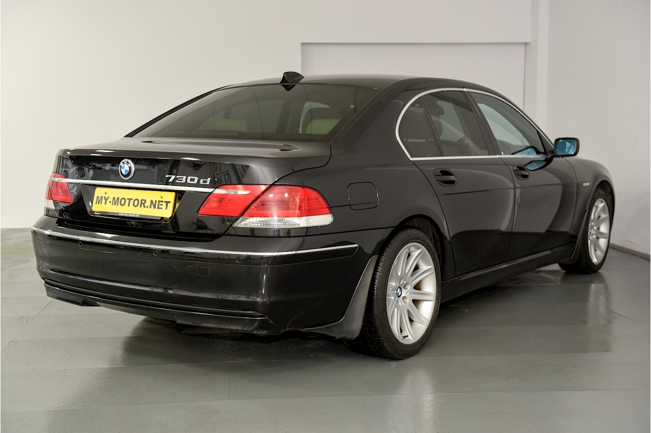 Bmw 7 Series - Large 3