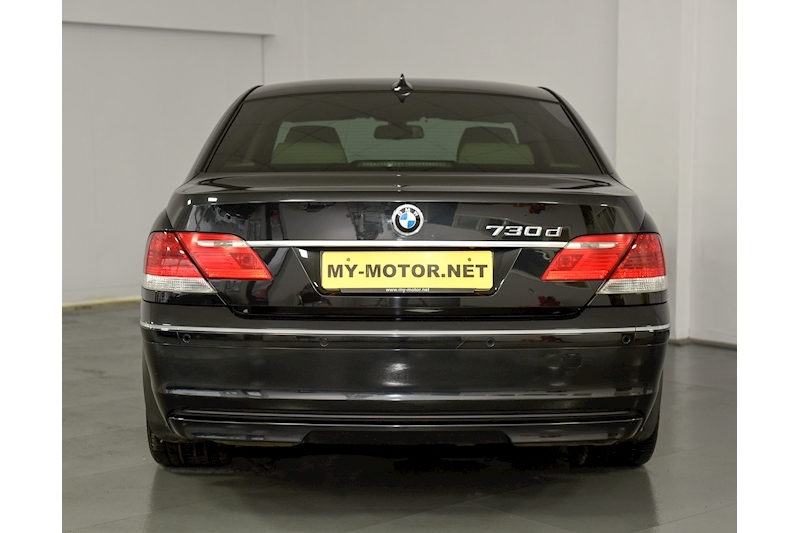 Bmw 7 Series - Large 4