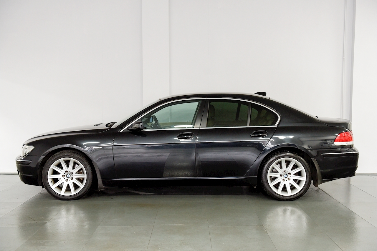Bmw 7 Series - Large 6