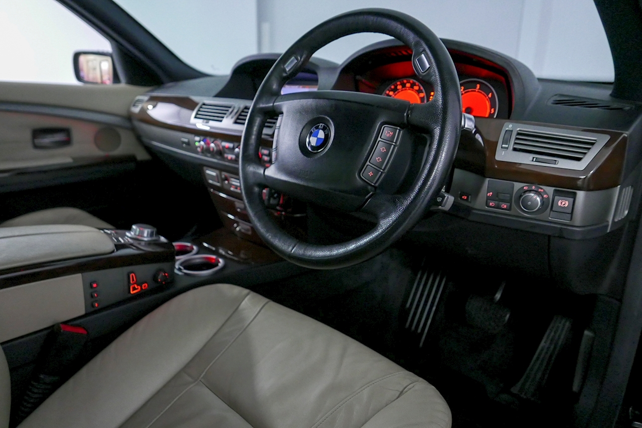 Bmw 7 Series - Large 9