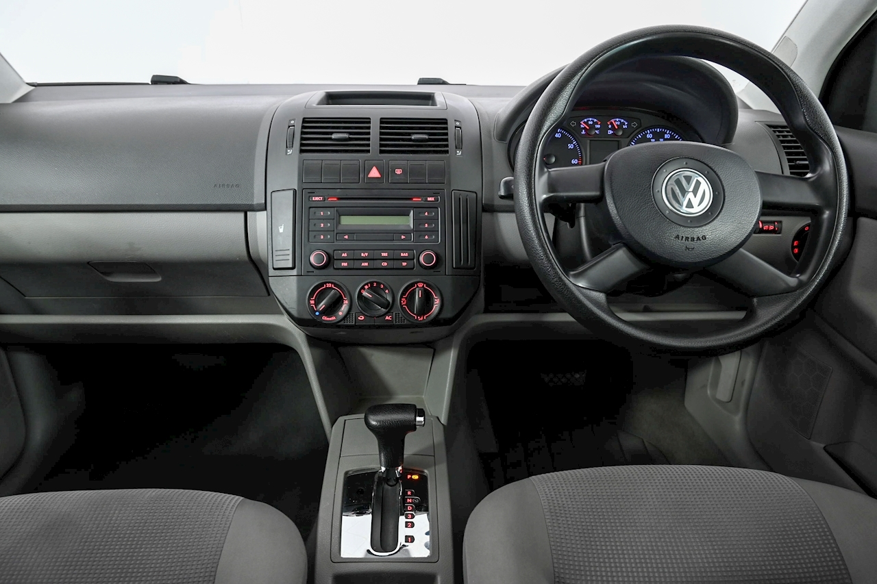 Volkswagen Polo - Large 17
