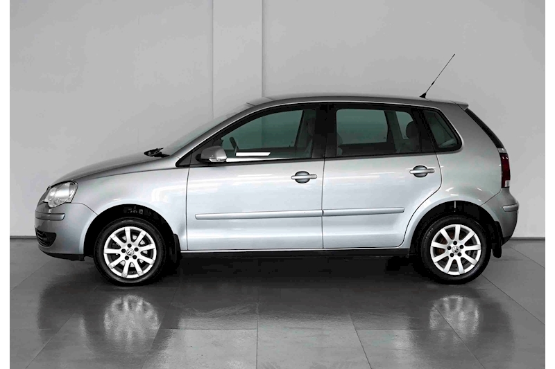 Volkswagen Polo - Large 6