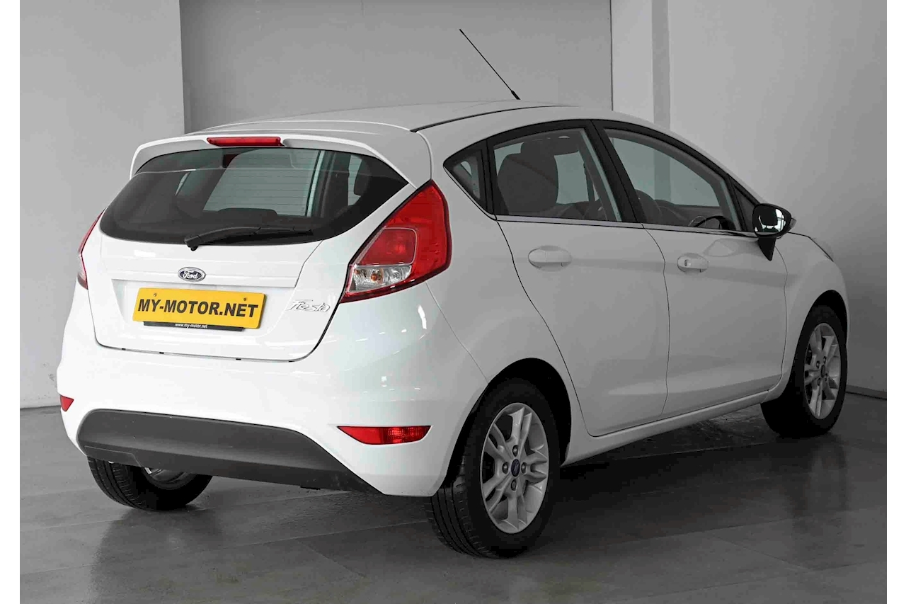 Ford Fiesta - Large 3