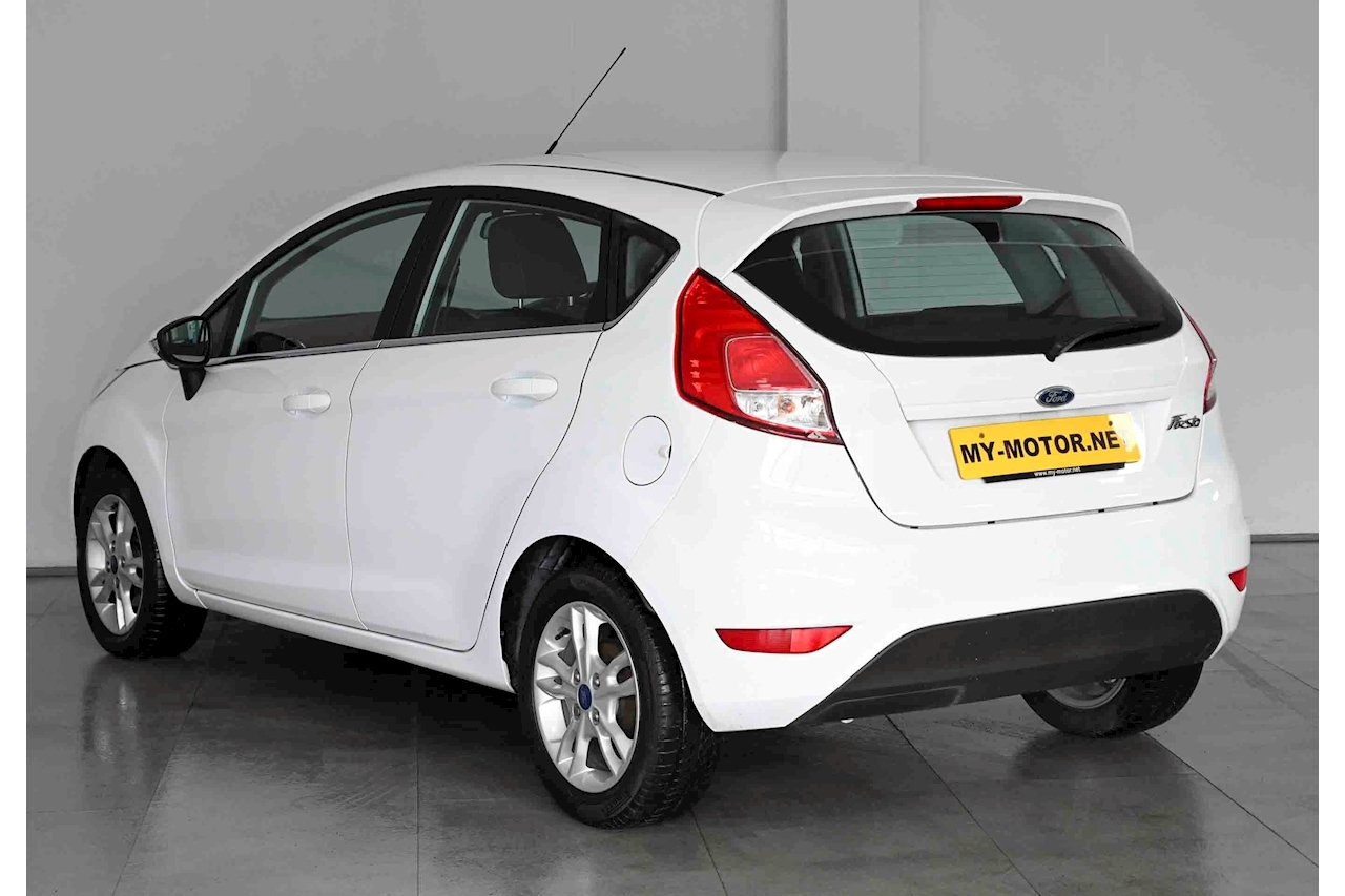Ford Fiesta - Large 5
