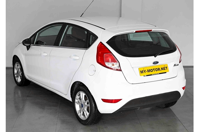 Ford Fiesta - Large 7