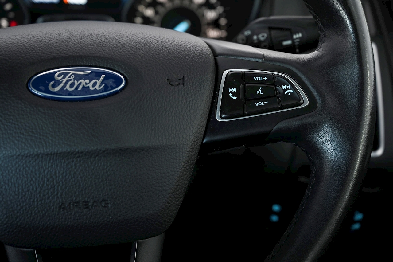 Ford Focus - Large 17