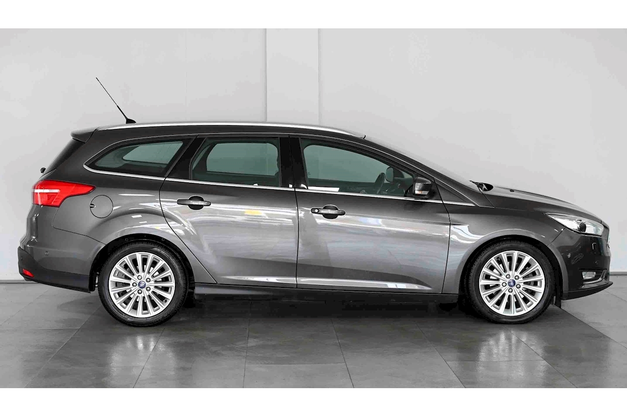 Ford Focus - Large 9